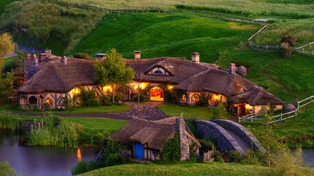 Enjoy a tour of the Hobbiton movie set